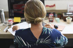 Mitarbeiterüberwachung am Arbeitsplatz - Kollegen auf Abwegen